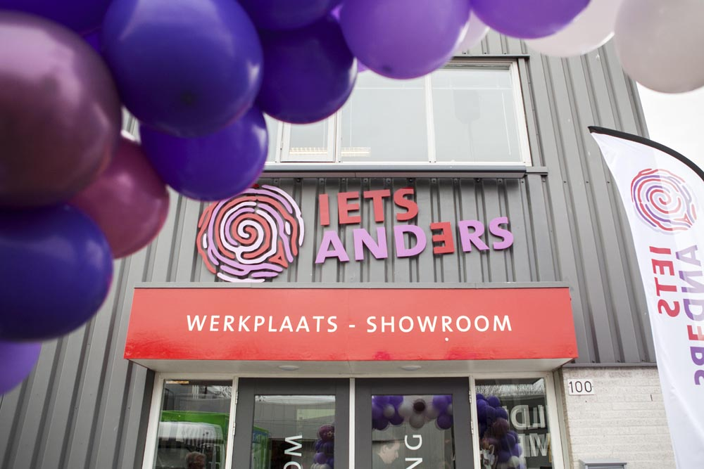 Opening Iets Anders 26-11-2013 - gevel